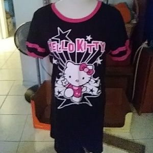 Nwot Girls Hello Kitty nightgown/tshirt is long